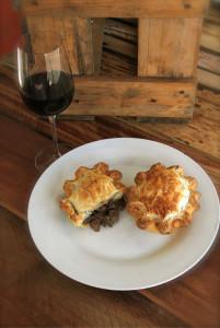 Steak and mushroom Pioneer Pie